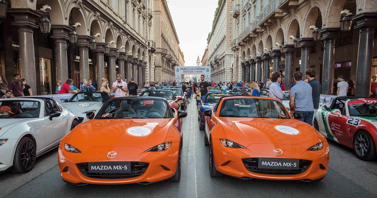 ロードスター30周年:イタリア・トリノで記念パレード!