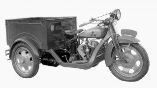 1931年 初の自動車、三輪トラック「マツダ号」を生産開始