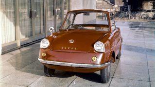 1960年 初の四輪乗用車「R360クーペ」を発売