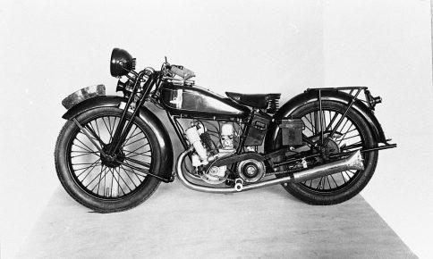 1930年当時に東洋工業が少数販売していた2サイクル・250ccの自動自転車