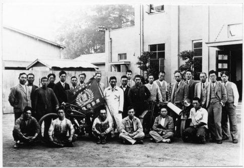 1930年招魂祭での優勝記念写真