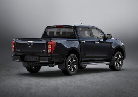 新型「Mazda BT-50」を世界初公開!